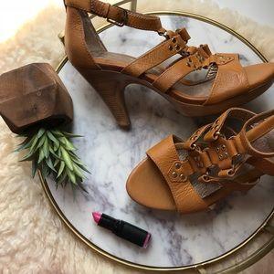 Sofft • Cark Gladiator Sandals